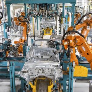 Produkcja Mercedesów nabierze tempa. Będzie potrzeba więcej pracowników