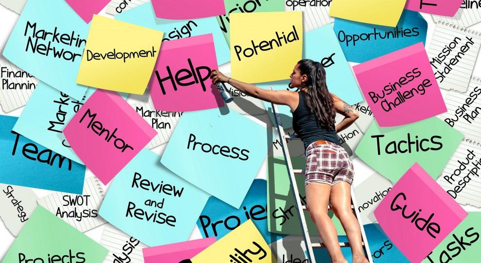Raport EY: Era freelancera. Rośnie zapotrzebowanie na nieetatowe formy zatrudnienia