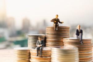 Pensje rosną, jednak nie wszędzie. W których branżach jest rynek pracownika?