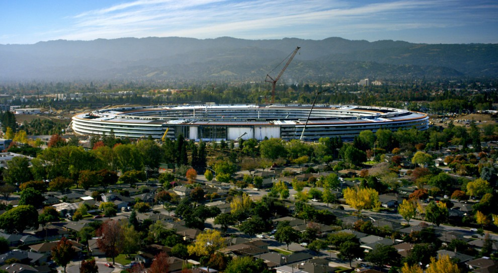Apple uruchamia sieć klinik AC Wellnes dla pracowników. Szuka lekarzy i pielęgniarek