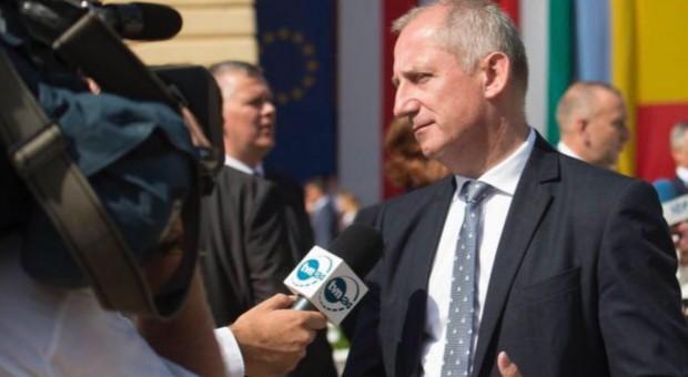 Sławomir Neumann: Premier pod stołem wprowadza podwyżki dla urzędników