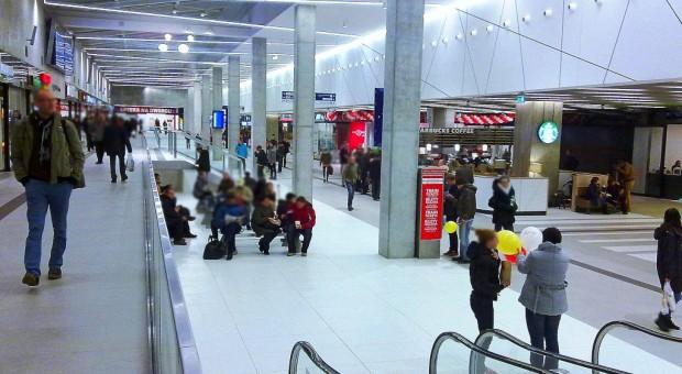 Zakaz handlu w niedzielę: Sklepy na dworcach będą czynne