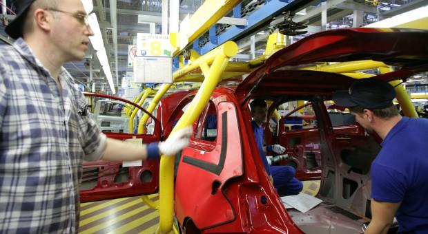 Firmy motoryzacyjne wraz z ekspertami będą analizować potrzeby kadrowe branży