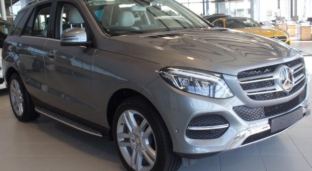 Prezent od Mercedesa na Dzień Kobiet: Panie dostaną 8 proc. zniżki na zakup nowego auta