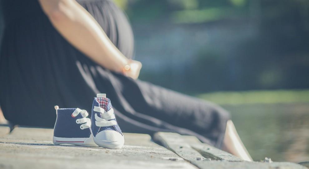 Kukiz'15: za zwolnienie chorobowe w trakcie ciąży powinien płacić ZUS