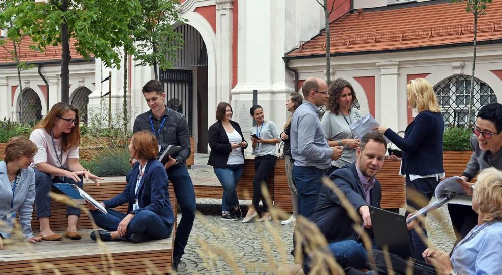 Poznański magistrat rekrutuje. Jest praca dla księgowych, nauczycieli i pielęgniarek