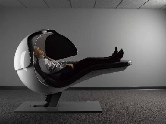 EnergyPod - specjalne miejsce do spania dla pracowników. Można takie znaleźć m.in. w Google. ( fot. MetroNaps, źródło: Facebook)