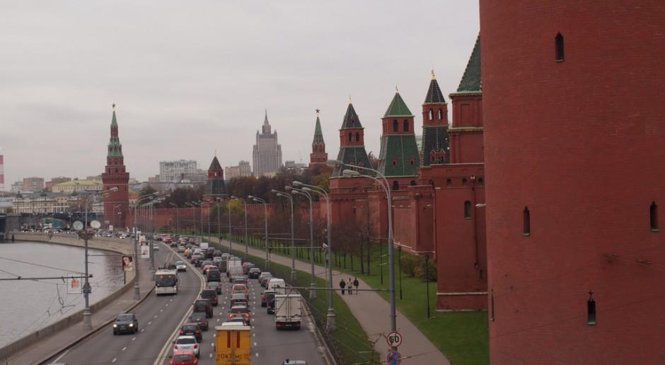 Czerwone mury Kremla w Moskwie, źródło: Julien Barrier/flickr.com/CC BY-SA 2.0
