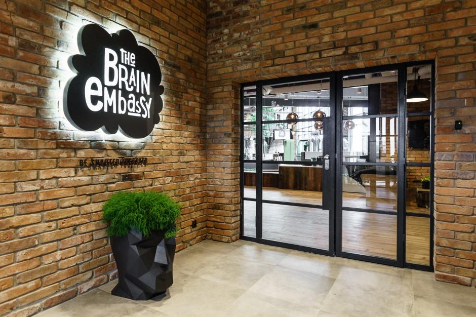 Wejście do Brain Embassy na Mokotowie w Warszawie (fot. mat. pras.)