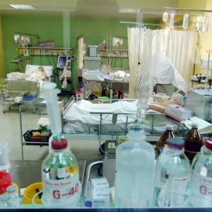 Szpitale w kropce. Brak personelu, brak pieniędzy na pensje