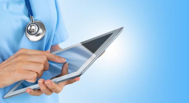 E-recepty: Lekarz wystawi pacjentowi receptę przez internet