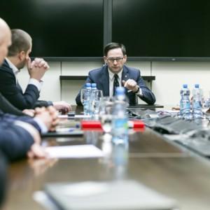 Prezes Orlenu chce się spotkać ze związkowcami… Lotosu