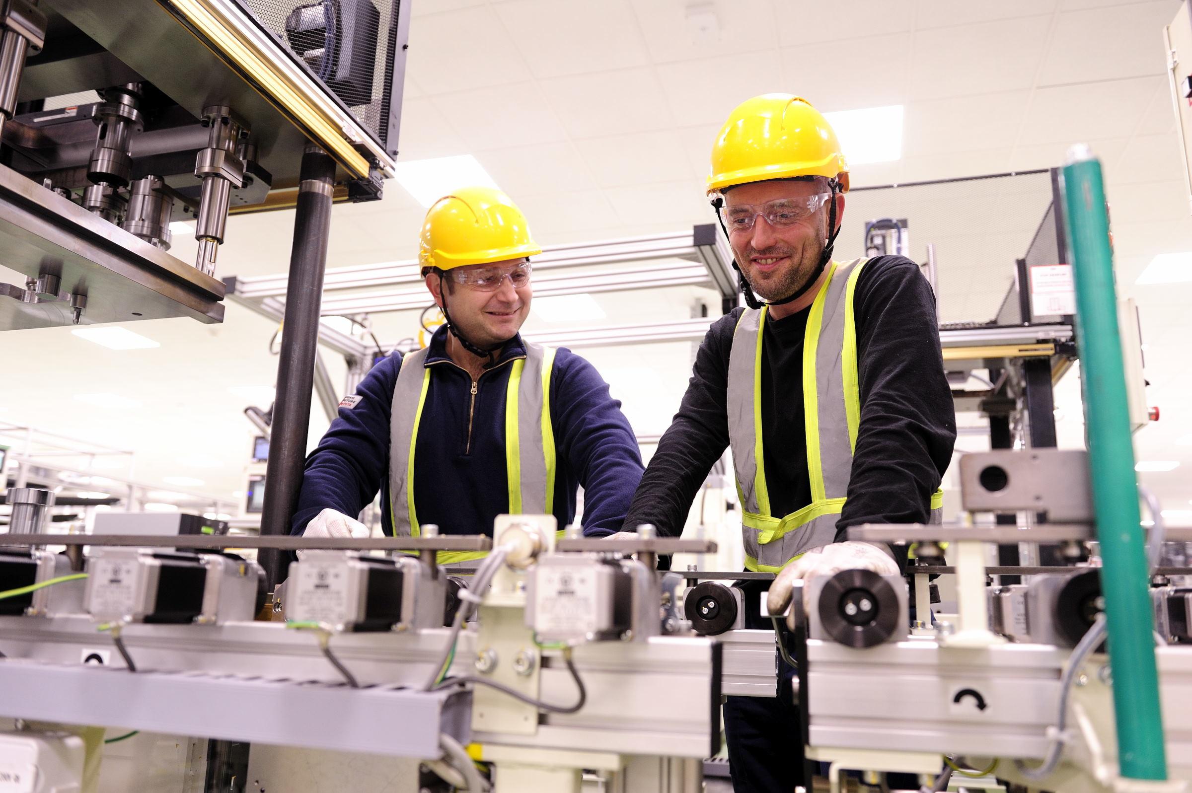 - Niezwykle ważna jest również możliwość rozwoju zawodowego oraz koleżeńska atmosfera pracy panująca w Toyocie - dodaje Grzegorz Górski, manager general Affairs. (fot. toyotapl.com)