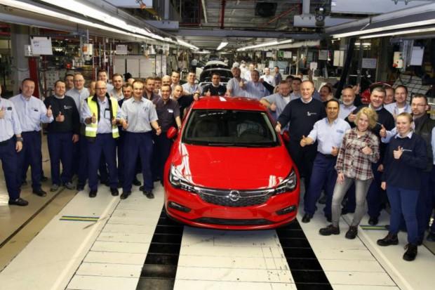 Opel zachęca pracowników by... szukali pracy gdzie indziej