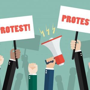 Pracownikcy strajkują przeciwko reformom prezydenta