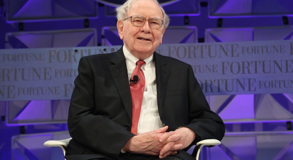 Warren Buffett zarabia niewiele więcej niż szeregowy pracownik Berkshire Hathaway