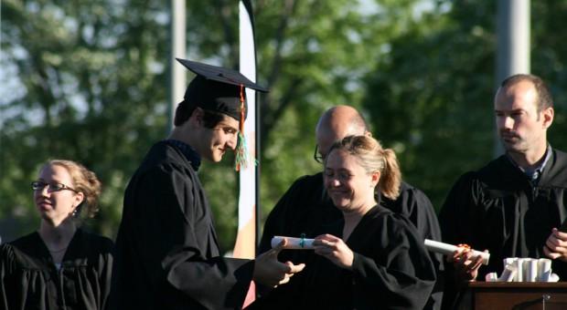 Członkowie rad nadzorczych spółek Skarbu Państwa nie będą musieli mieć wykształcenia wyższego