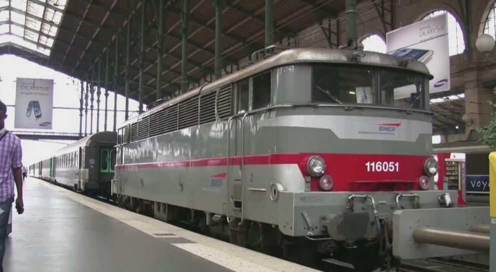 Francja. Rozpoczął się wielki strajk kolei