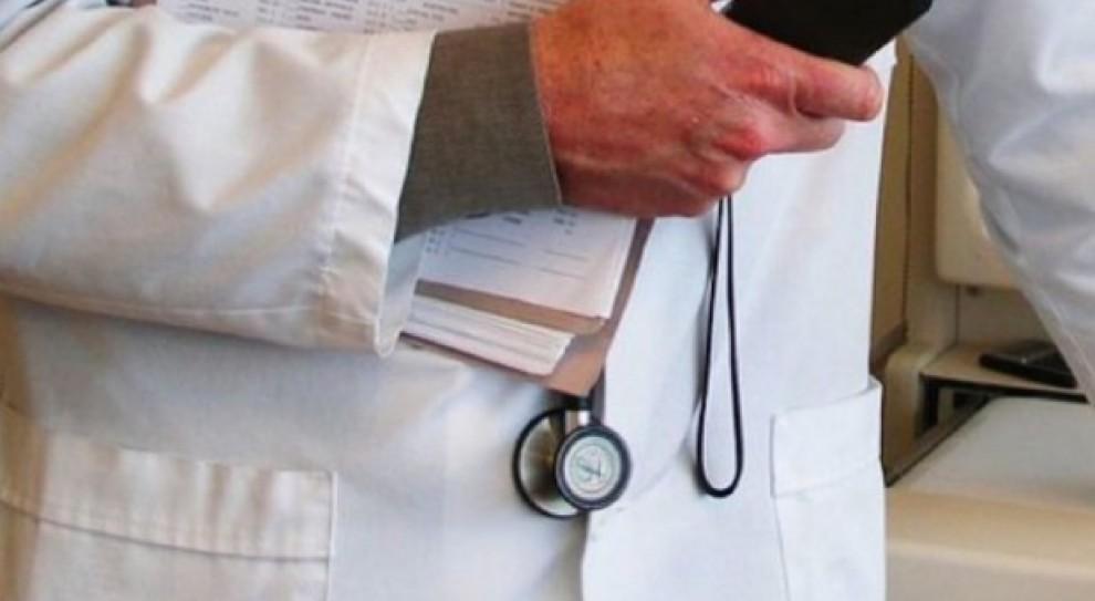 Niestosowne komentarze, obelgi, groźby. Coraz więcej przypadków agresji pacjentów wobec lekarzy