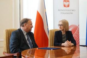 Studenci Politechniki Warszawskiej będą mogli odbywać praktyki i staże w resorcie finansów