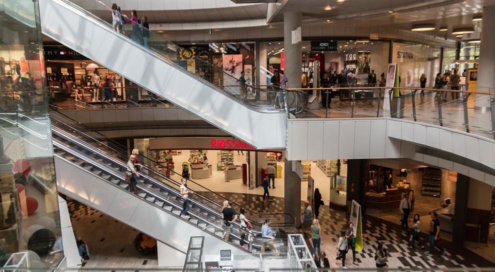 MF: ponad 15 tys. osób odwiedziło punkty rozliczeń PIT w galeriach handlowych