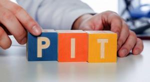 Polacy wolą składać PIT przez internet