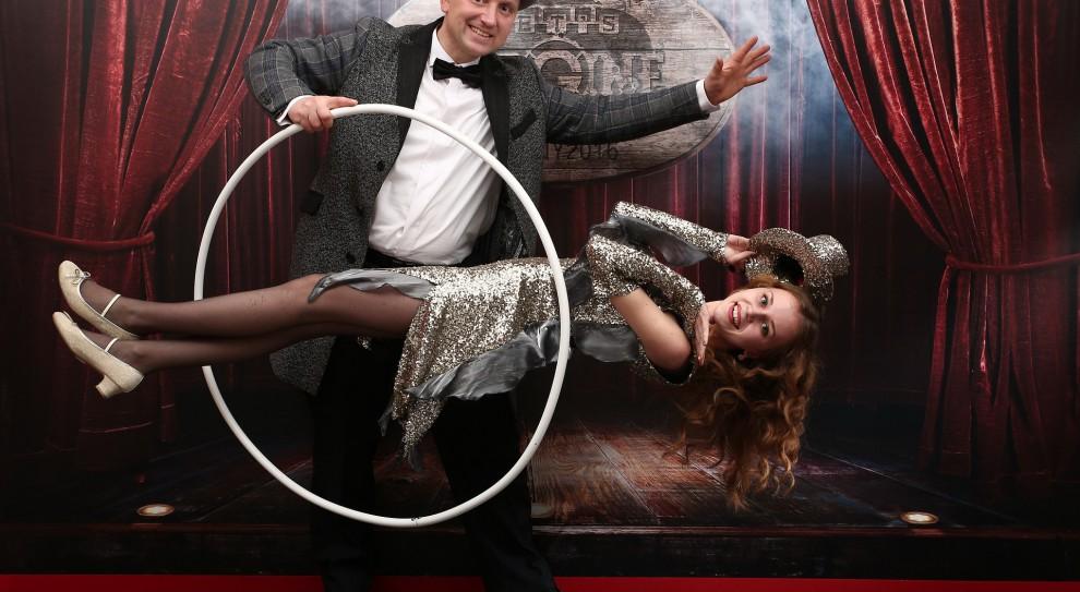 Żonglerzy, komicy, a może iluzjoniści? Kto zarabia najwięcej w amerykańskiej rozrywce?