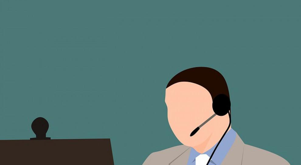 15 kwietnia trzecia z kolei niedziela z zakazem handlu. Inspektorzy PIP przy telefonach