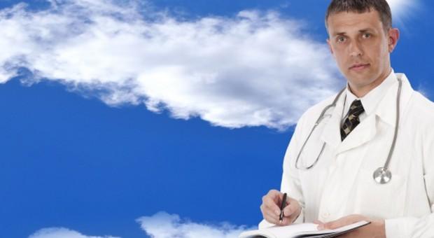Ilu lekarzy jest w Polsce?