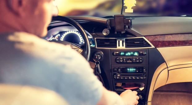 Osoby 50+ najszybciej rosnącą grupą kierowców w Polsce