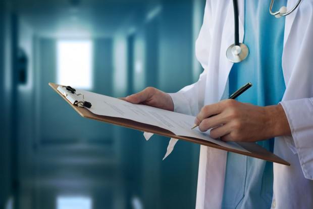 Diks: Cyfryzacja służby zdrowia skróci czas na biurokrację