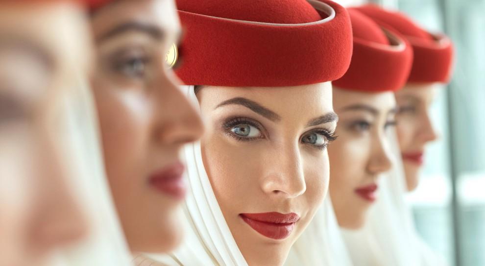 Praca w Emirates. Linia lotnicza szuka stewardes i stewardów
