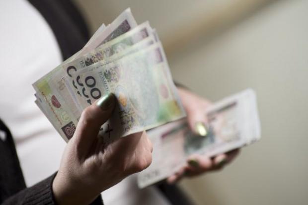 NFZ w Łodzi podaje wysokości nagród dla pracowników