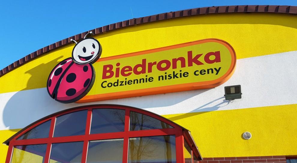Pracownica Biedronki potrąciła wózkiem klienta, ten zmarł. Rodzina zażąda 90 tys. zł odszkodowania?
