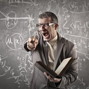 Uczniowie biją i obrażają nauczycieli. Pedagodzy muszą umieć się bronić