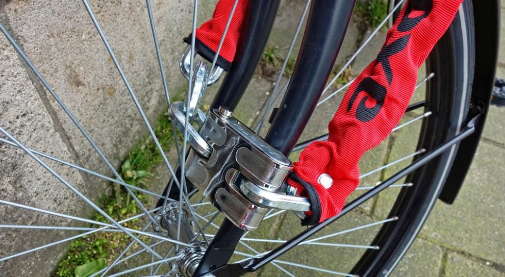 Pracownicy Sainsbury's dostarczą jedzenie rowerami