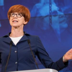 Polacy przekonali się do zakaz handlu w niedziele? Minister ma na to odpowiedź