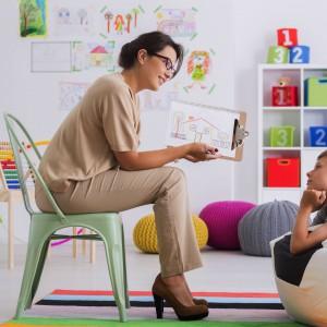 Pedagog i psycholog znajdą pracę w szkole