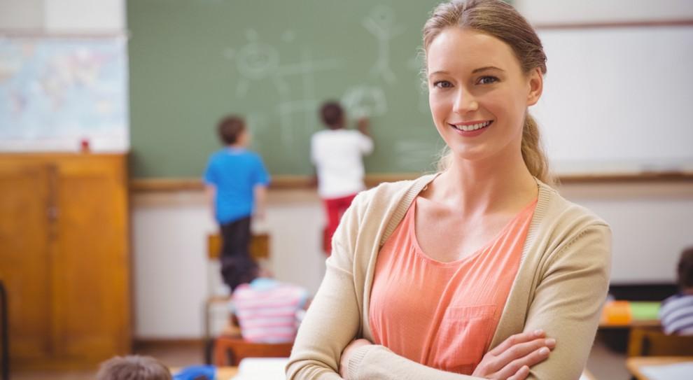 Coraz więcej nauczycieli w polskich szkołach