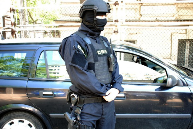 Księgowy międzynarodowej grupy przestępczej wyłudzającej VAT zatrzymany