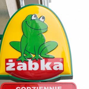 Żabka ma sposób by ominąć zakaz handlu. Zmieni się w... pocztę