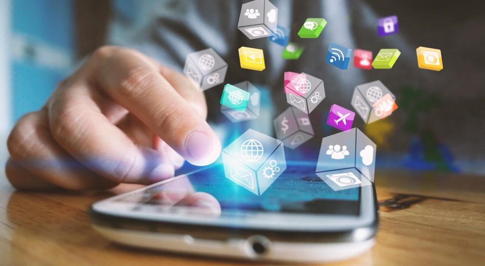 LinkedIn, Facebook czy Twitter. Gdzie menedżerowie zakładają konta?