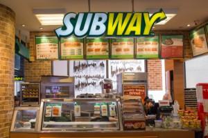 Pracownicy Subway'a mają powody do niepokoju. Sieć zamknie 500 sklepów