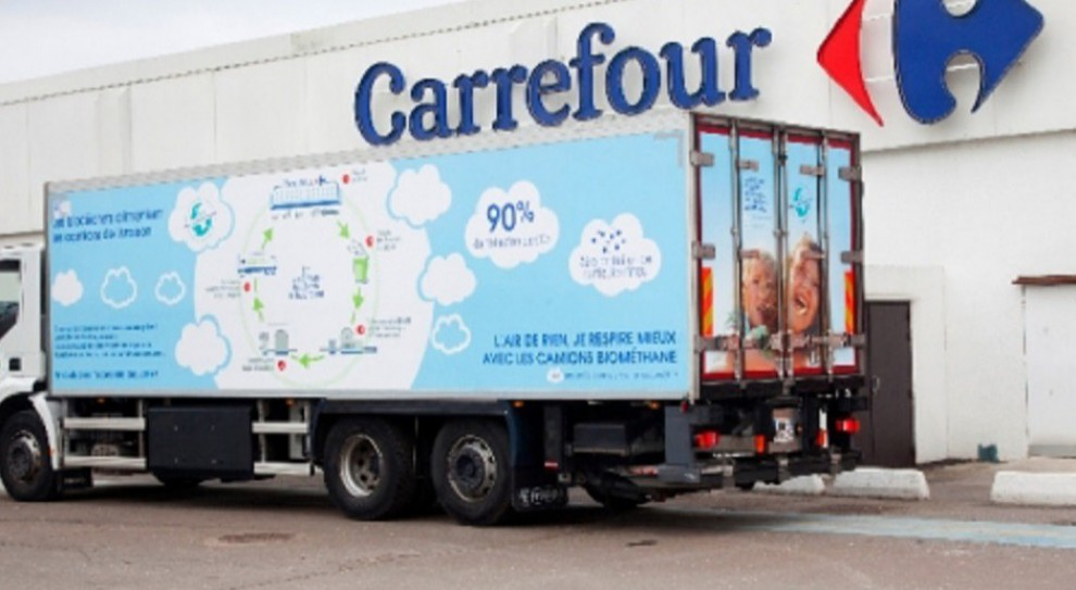 Carrefour bierze się za ograniczenie odpadów. Firma będzie produkowała z nich... paliwo