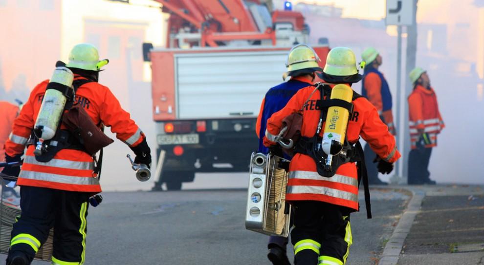 Strażak w czołówce niebezpiecznych zawodów