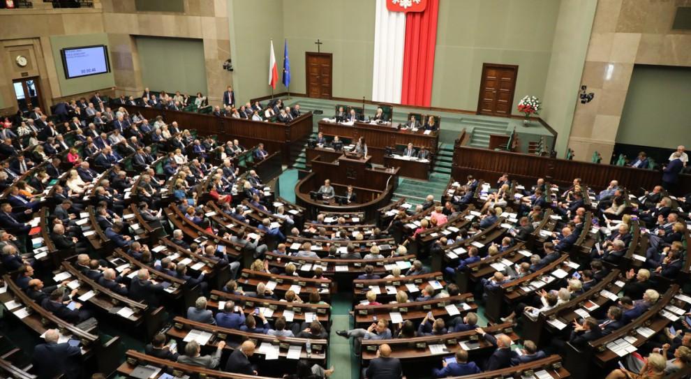 Krzysztof Łapiński: Marek Kuchciński wystąpił do prezydenta o obniżenie o 20 proc. pensji członkom Prezydium Sejmu