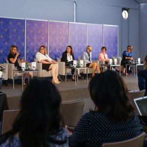 Co pomaga, a co przeszkadza kobietom w drodze do sukcesu?