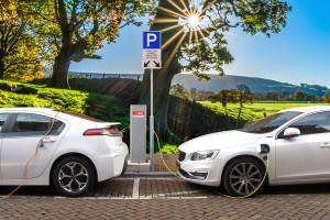 Odchodzenie od samochodów spalinowych oznacza redukcję miejsc pracy?
