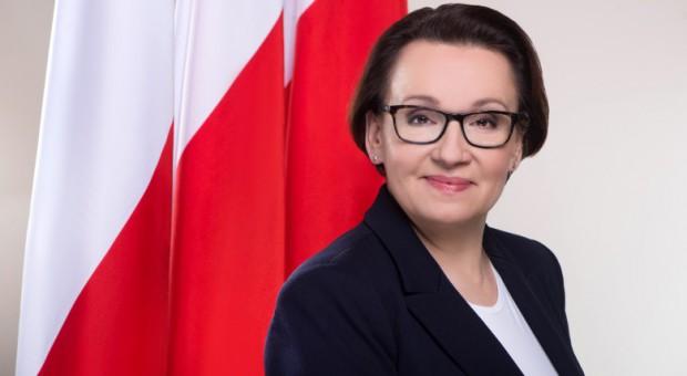 Anna Zalewska: Nauczyciele zasługują na właściwe wynagrodzenia