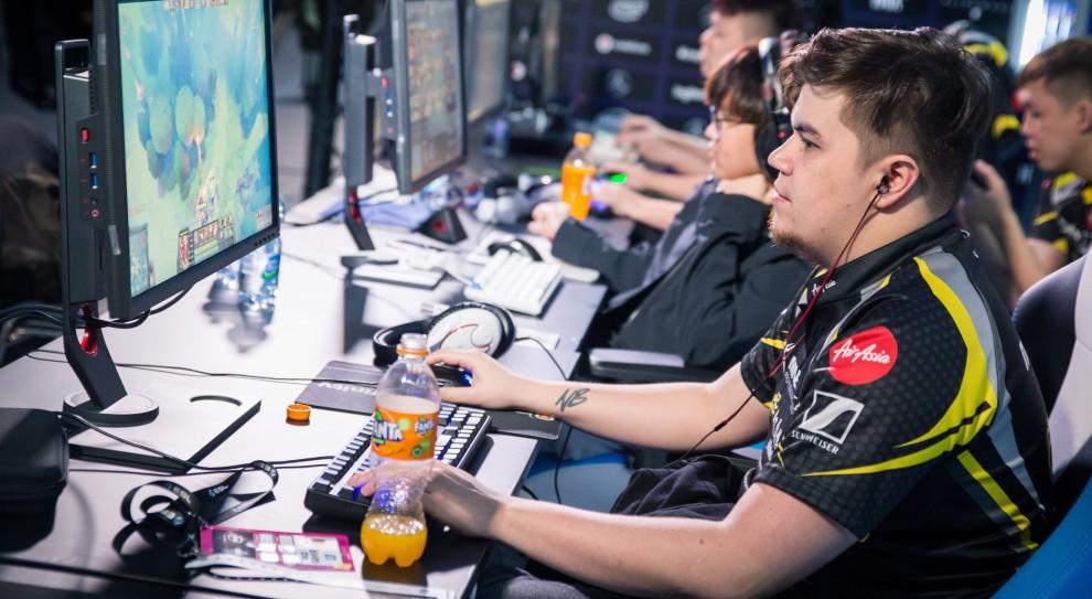 E-sport tworzy nowe zawody i potrzebuje menedżerów